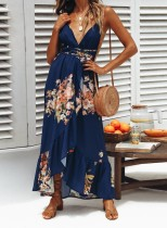Langes Kleid mit tiefen V-Trägern