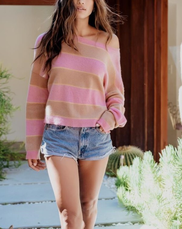 Wide Stripped O-Neck Sweater