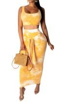 Top sexy de batik y falda midi