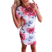 Mini vestido floral con abertura en el o-cuello