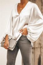 Locker geschnittene, einfarbige V-Ausschnitt-Bluse mit Knallärmeln