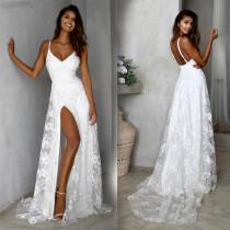 Robe de soirée fendue à bretelles florales blanches