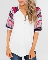 Camisa básica con cuello de pico y mangas estampadas