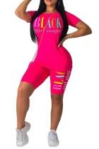 Camisa y pantalones cortos ajustados atractivos de la impresión