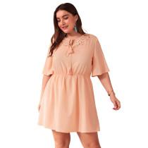 Plus Size aushöhlen kurzes Kleid