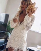 Mini vestido blanco ahueca hacia fuera deep-v