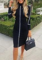 Halflange jurk met lange mouwen en hoge hals