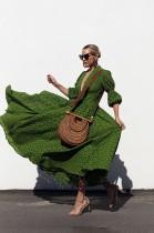 Vestido largo verde vintage con manga larga y manga larga