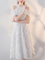Ausschnitt Halfter Bridemade Plüschkleid