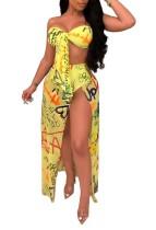 Бюстгальтер с желтыми узлами и длинной юбкой с разрезами