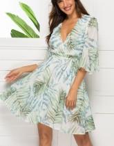 Imprimir una línea de vestido cruzado con mangas anchas
