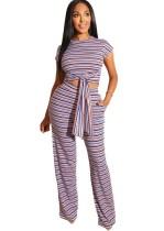 Camisa y pantalones de nudo de rayas coloridas