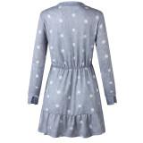 Weißes und graues Polka Langarm Skater Kleid