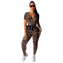 Sexy, figurbetonter Overall mit O-Ausschnitt und Leopardenmuster
