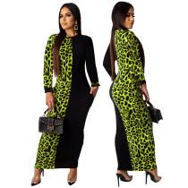 Vestido largo con estampado de leopardo y manga larga
