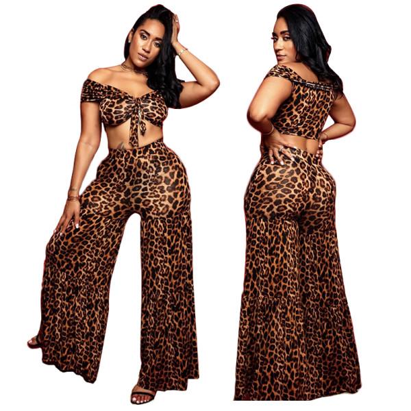 Top y pantalones cortos con estampado de leopardo sexy