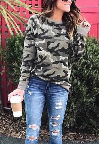 Camicia in felpa a maniche lunghe con scollo a V stampa camouflage