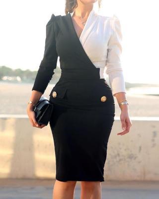 Контрастное офисное платье с длинными рукавами