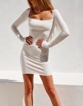 Mini vestido cuadrado liso de manga larga liso