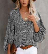 Camisa solta com decote em v com estampa floral e mangas pop