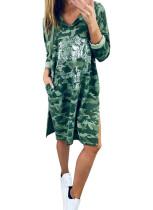Vestido con capucha y estampado de camuflaje