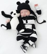 Baby Boy Fall weißen und schwarzen Streifen Strampler Strampler