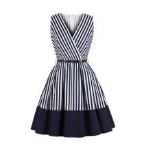 Vintage Skaterkleid mit weißen und blauen Streifen und Gürtel