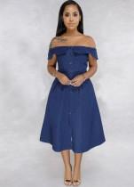 Schulterfreies Skaterkleid aus blauem Denim