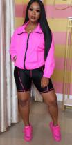 Conjunto de jaqueta esportiva e calção preto