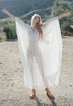 Weiße Fledermaus Ärmel langes Boho Kleid