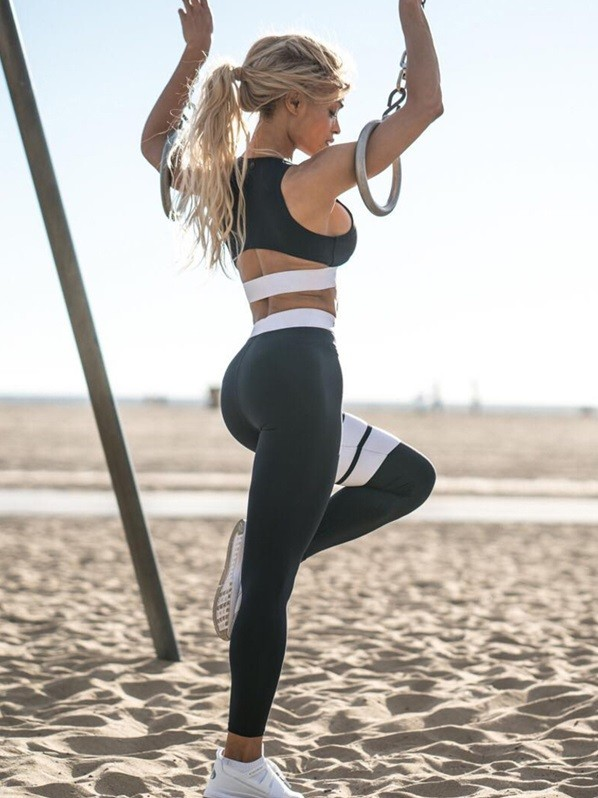 Sports Contrast Yoga Bra and Leggings