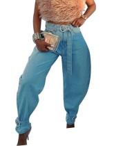 Blaue Pop-Jeans mit hoher Taille