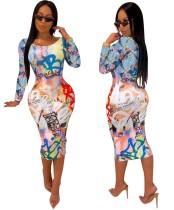 Vestido ajustado de manga larga estampado de colores