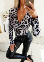 Camisa ajustada de leopardo con cuello en V sexy