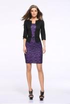 Черно-фиолетовое офисное платье с принтом