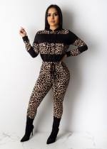 Conjunto de top y pantalones con capucha sexy con estampado de leopardo