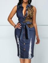 Ärmelloses Jeanskleid mit Leopardenmuster