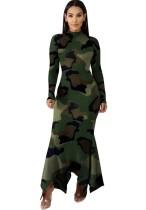 Длинное нерегулярное платье с принтом и камуфляжным принтом