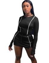 Camisa de manga larga y minifalda deportiva ajustada