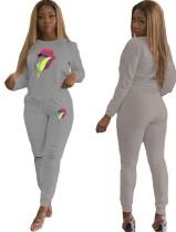 Camisa y pantalones rasgados de manga larga estampados