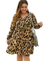 Vestido de leopardo con cuello en V y talla grande