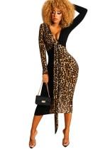 Mangas compridas com decote em v leopardo vestido midi