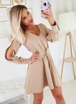 Manches courtes fendue col v robe courte avec ceinture