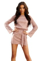 Mini vestido de lentejuelas de manga larga con cinturón