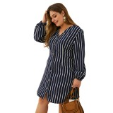 Plus Size Stripes V-Ausschnitt Langarm kurzes Kleid