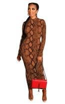 Платье миди с длинным рукавом и принтом в виде змеиной кожи