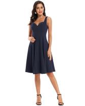 Einfarbiges Vintage-Kleid mit festen Trägern