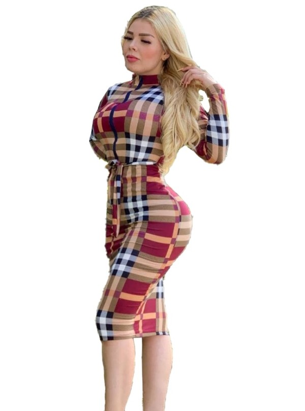Buntes kariertes Midi-Kleid mit langen Ärmeln