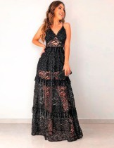 Vestido formal largo con tirantes de encaje negro