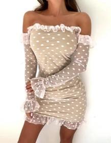 Мини-платье без бретелек с оборками и рукавами в горошек